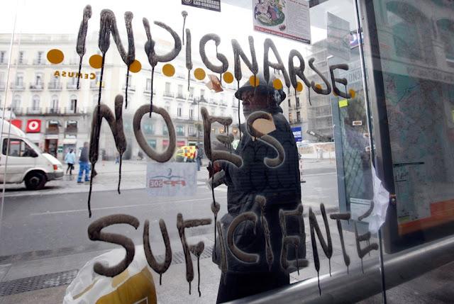 POLÍCIA DESALOJOU ÚLTIMOS CONTESTATÁRIOS ACAMPADOS NO CENTRO DE MADRID