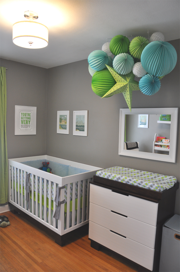 Decorating idea the grey nursery for Baby room decorating ideas uk