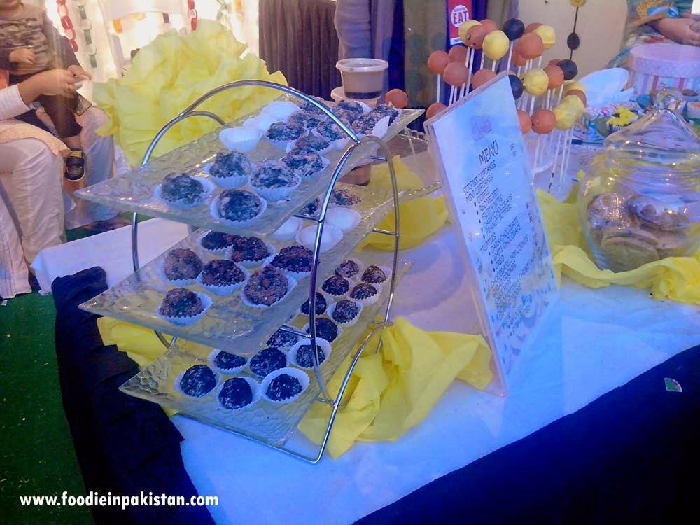 Cakelets at Karachi Eat 2015