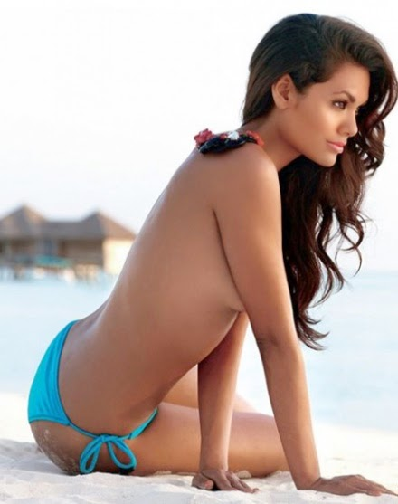 Esha Gupta Bikini, Hot Photos, Pics, Hd Wallpapers