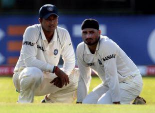 Harbhajan-Singh-picked-up-ahead-of-Pragyan-Ojha