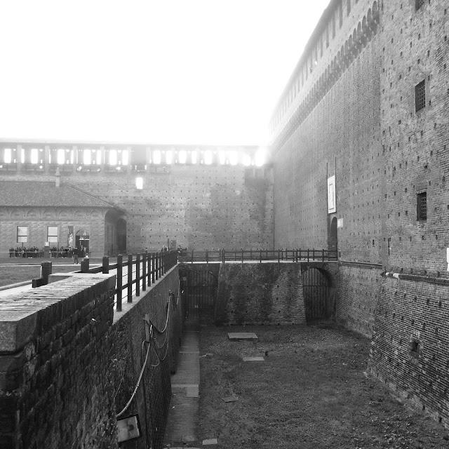 Castello Sforzeesco Milano Black & White http://elisiroflife.blogspot.com