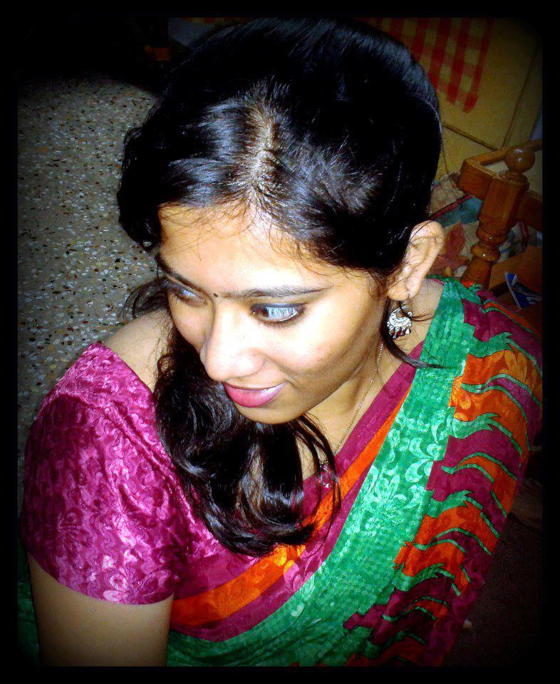 Homely indian girls tamil girls wearing saree photos