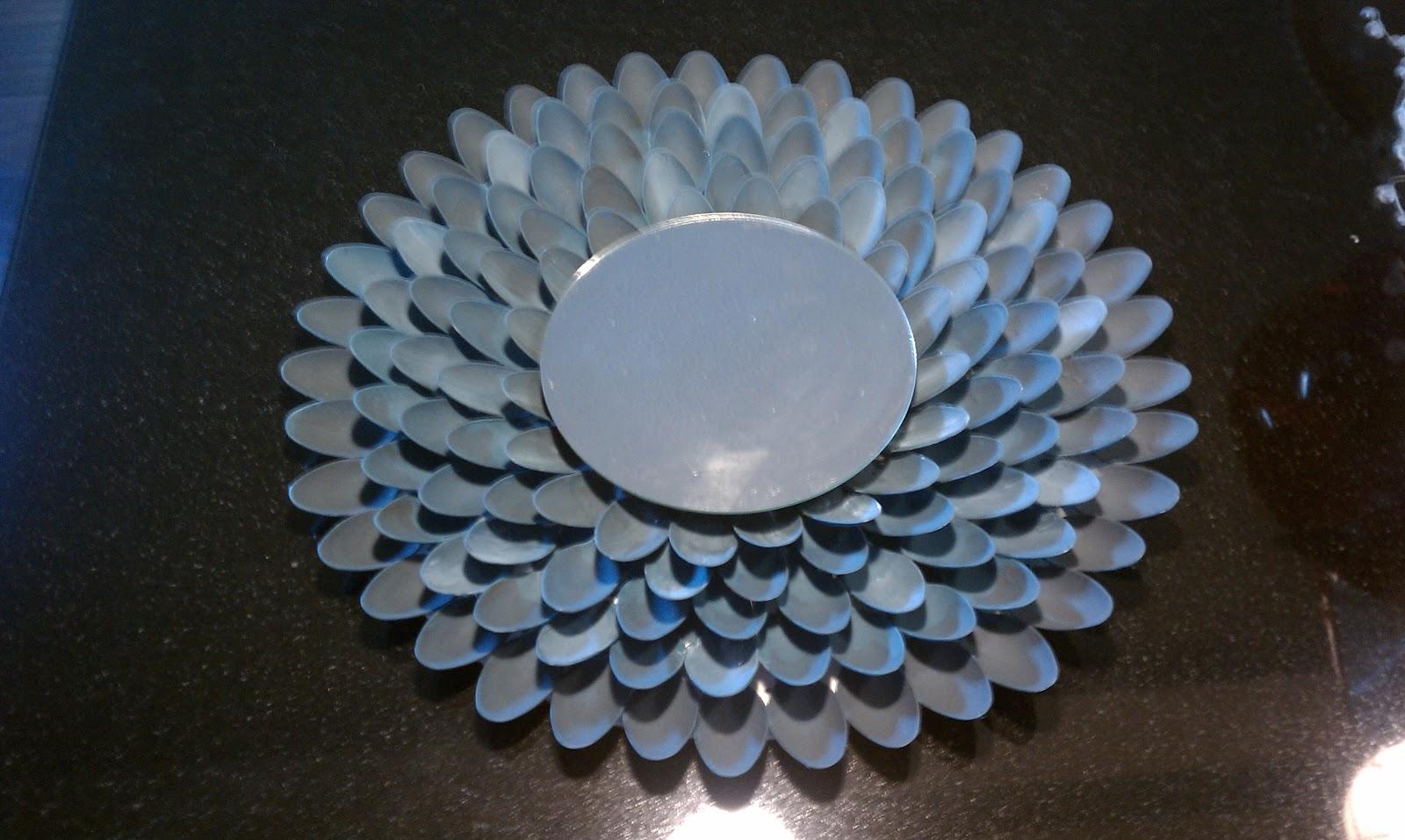 Nadia39s DIY Projects DIY Plastic Spoon Mirror