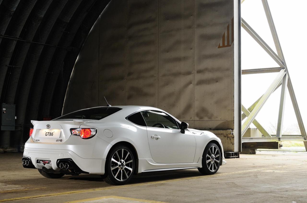 [Resim: Toyota+GT86+TRD+2.jpg]