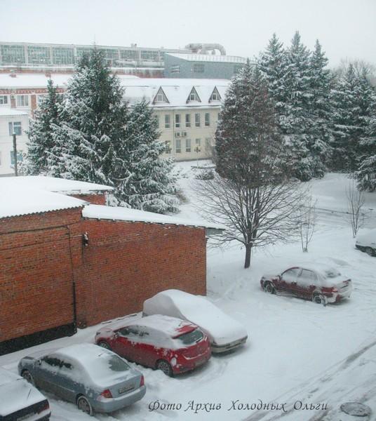 Машины в снегу