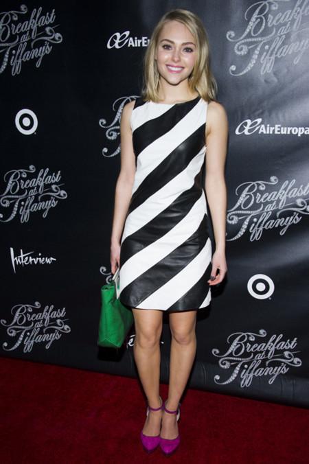 Combinacion de zapatos con vestido blanco con negro