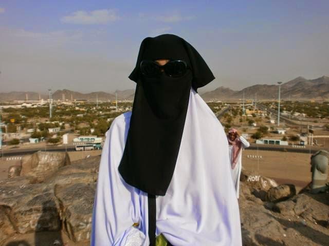 PELIK Mengapa Wanita Ini Tidak Boleh Pijak Masjidil Haram