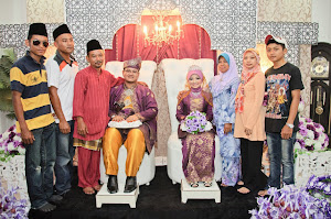 Potret Keluarga Besar Kami... ^_^,,