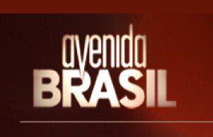 EM 2012 O TITITI TATATA PARTICIPOU DURANTE 9 MESES DAS GRAVAÇÕES DA NOVELA AVENIDA BRASIL