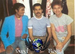 Michael Jackson com Freddie Mercury , John Deacon