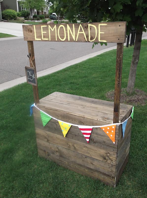 Sunshine on the inside our lovely lemonade stand for Pallet lemonade stand plans