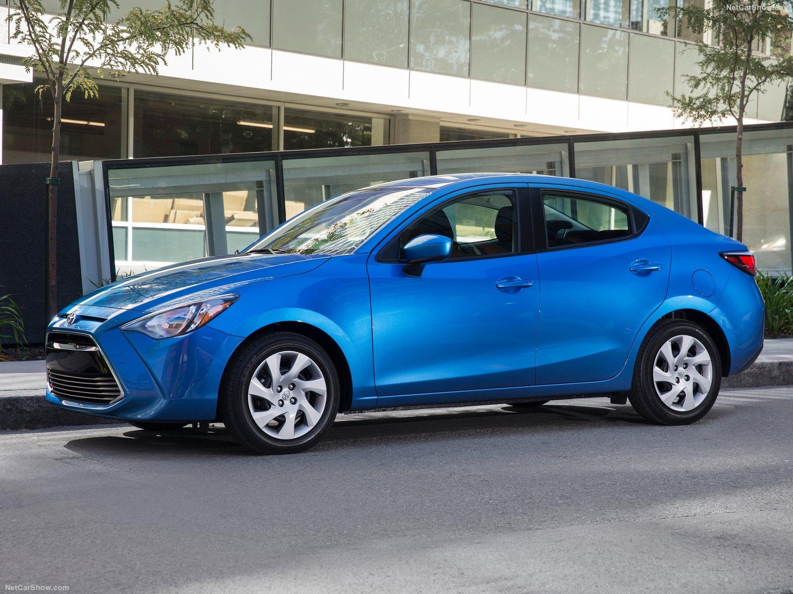 Đánh giá Toyota Yaris Sedan 2016 & giá xe