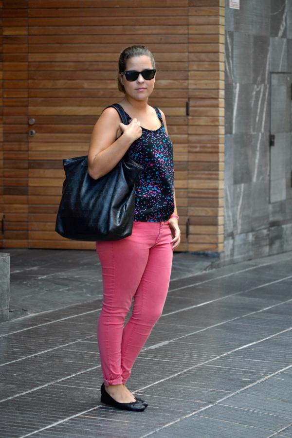 look_outfit_pantalon_rosa_blusa_corazones_bailarinas_piel_bolso_calaveras_ebay_nudelolablog_01