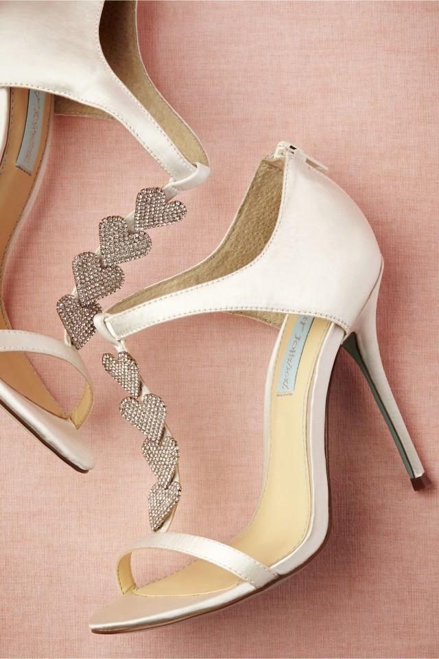 Los mejores accesorios de BHLDN | Zapatos, Sombreros y Accesorios de novias