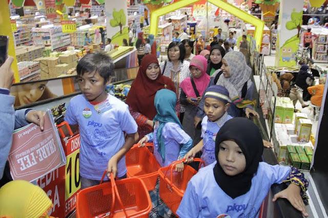Sutias Belanja Bareng 150 Anak Yatim