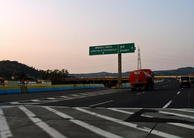 bridge on the mumbai pune expressway