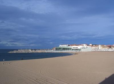 De turismo rural por asturias playas del centro de asturias for Oficina de correos gijon