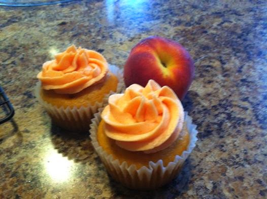 http://cathlincooks.blogspot.com/2008/09/peach-cupcakes-with-peach-buttercream.html