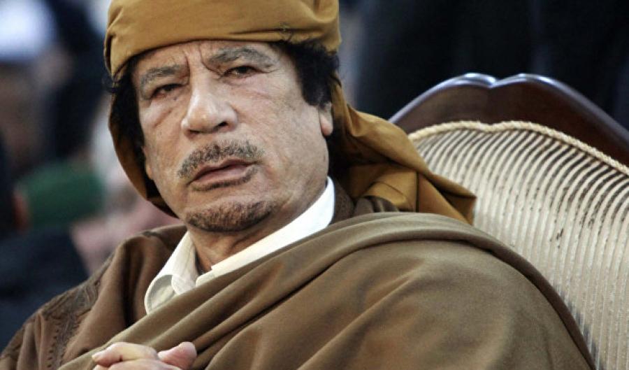 To μυστήριο με το παναφρικανικό χρυσό δηνάριο του Καντάφι που έτρεμε η Κλίντον