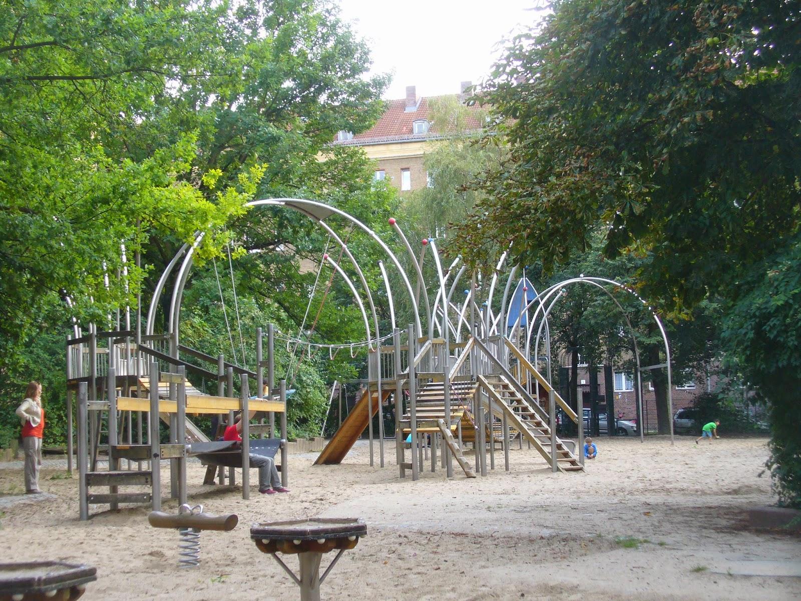 Fabuleux acasadiclara: A Berlino con i bambini - parchi gioco ovunque! LK08