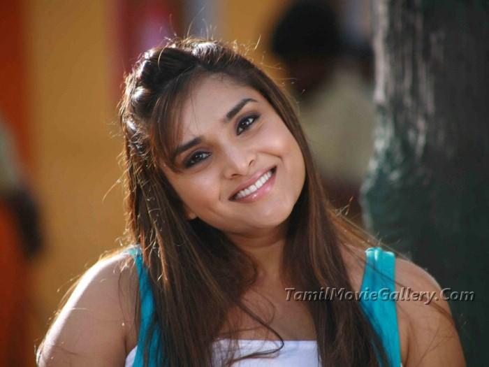 Heroine Ramya Cute New Photos Stills Kannada Actress Ramya