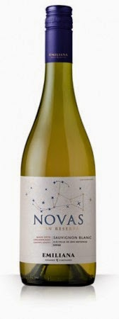 bottle of Novas Sauvignon Blanc
