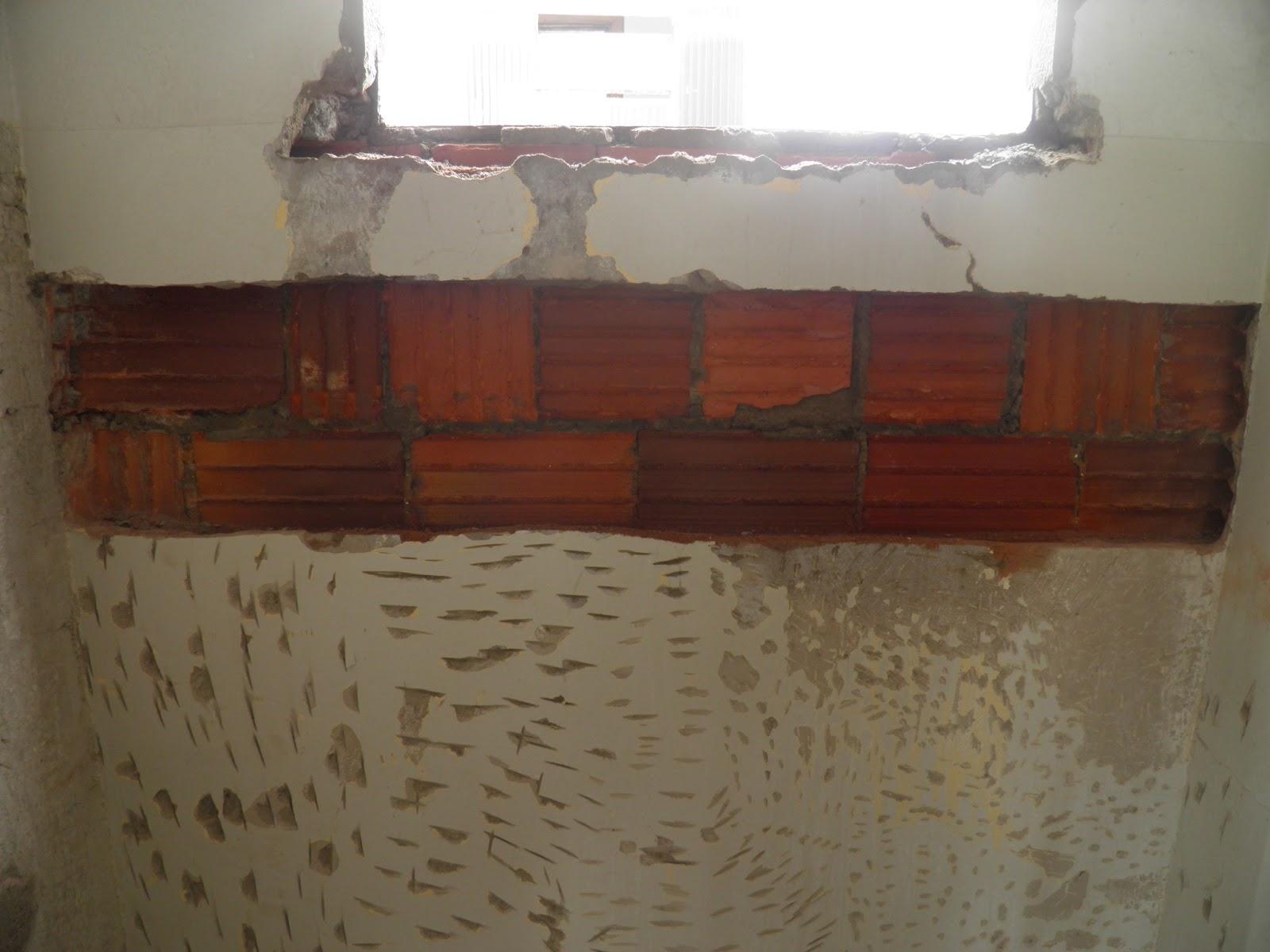 sonho com cimento de amor!: Inicio do revestimento: banheiro suite #442A1F 1600 1200