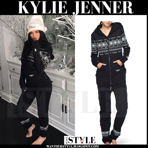 Kylie Jenner in black onepiece lusekofte onesie and white hat what she wore loungewear
