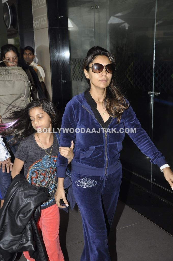 Gauri Khan Without Makeup at Mumbai Airport