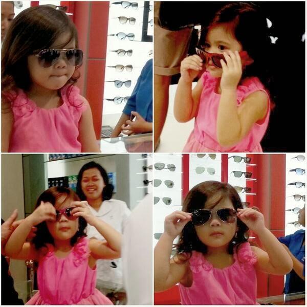 Dhani temani Shafeea belanja kacamata