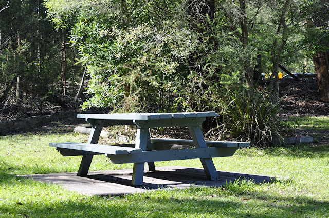 Picnic Table Somersby Falls