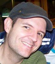 Hola soy Gabriel Verdecia haz clic en la foto.