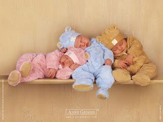 Lindos bebés durmiendo