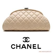 Princess Victoria Style CHANNEL Bag - H&M Lace Coat TABITHA SIMMONS Pumps