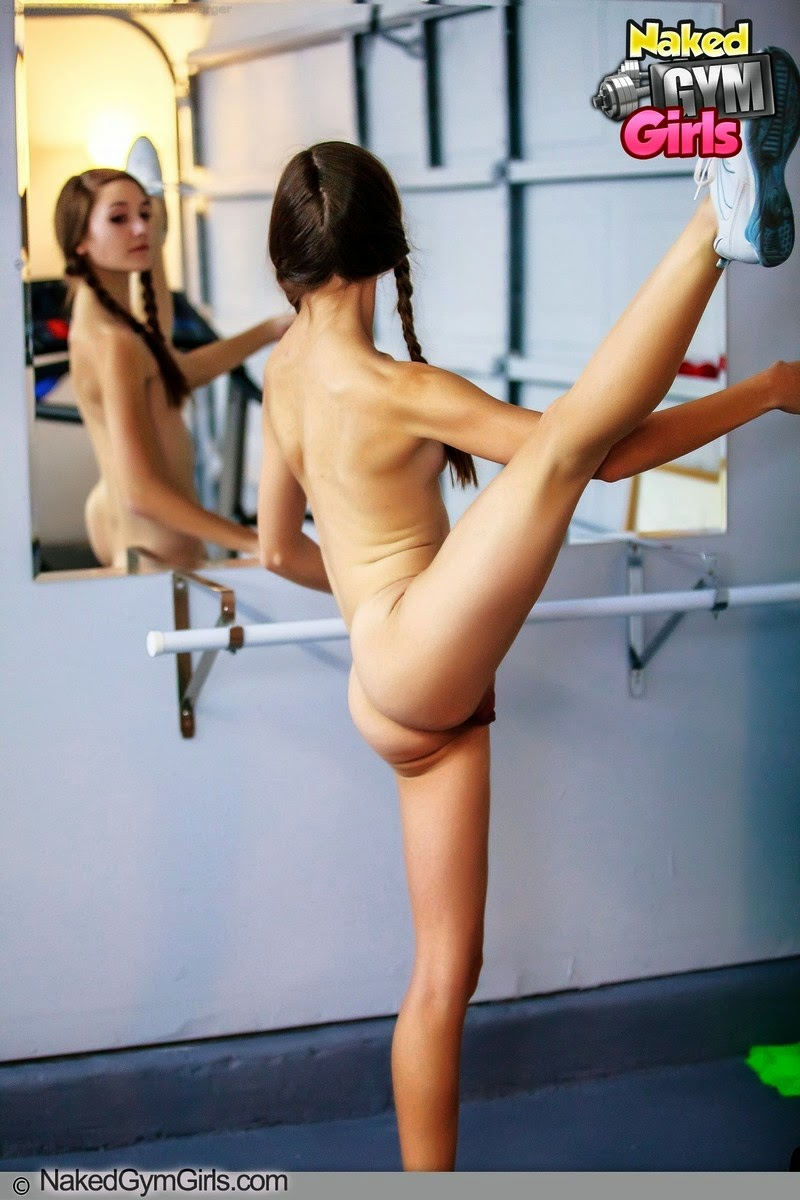 erotic nude female work out pics