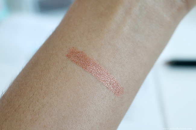 Rimmel Eyeshadow Stick in 100 Rose Gold Swatch