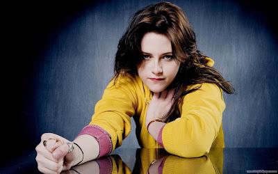 Kristen Stewart Movie Adventureland Actress Wallpaper