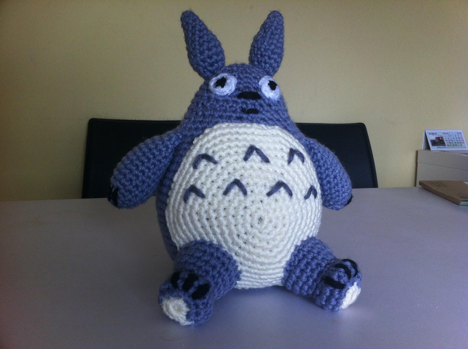 Totoro Azul Amigurumi : Mi mundo y punto totoro grande gris en amigurumi