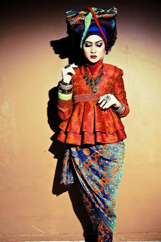 Foto Model Baju Kebaya Dian Pelangi
