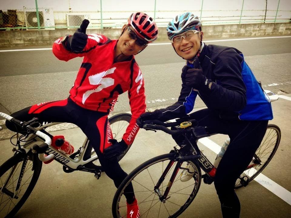 宮古島大会表彰台を狙う飯田さんとトレーニングパートナーを組む