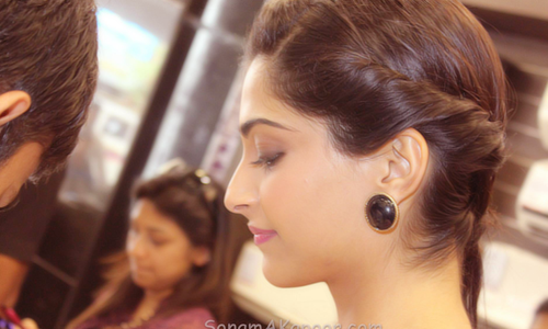 Sonam Kapoor cute face - Sonam Kapoor Face Close up Pics