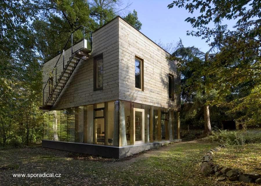 Casa de madera contemporánea como retiro de fin de semana