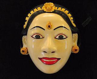 topeng wajah manusia