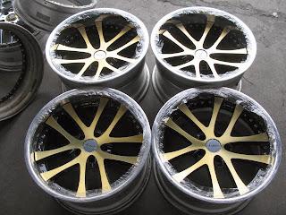 http://rover.ebay.com/rover/1/711-53200-19255-0/1?ff3=4&pub=5574634457&toolid=10001&campid=5336645863&customid=&mpre=http%3A%2F%2Fshop.ebay.com%2Fi.html%3F_nkw%3D%26_in_kw%3D1%26_ex_kw%3D%26_sacat%3DSee-All-Categories%26_okw%3D%26_oexkw%3D%26_udlo%3D%26_udhi%3D%26_ftrt%3D901%26_ftrv%3D1%26_sabdlo%3D%26_sabdhi%3D%26_samilow%3D%26_samihi%3D%26_sadis%3D200%26_fpos%3DZip%2Bcode%26_fsct%3D%26LH_SALE_CURRENCY%3D0%26_fss%3D1%26_fsradio%3D%2526LH_SpecificSeller%253D1%26_saslop%3D1%26_sasl%3Djdmautohouse%252Cvrmotoring%26_sop%3D12%26_dmd%3D1%26_ipg%3D50