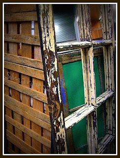 Puerta con espejos en la feria de desembalaje 2013 en el BEC-