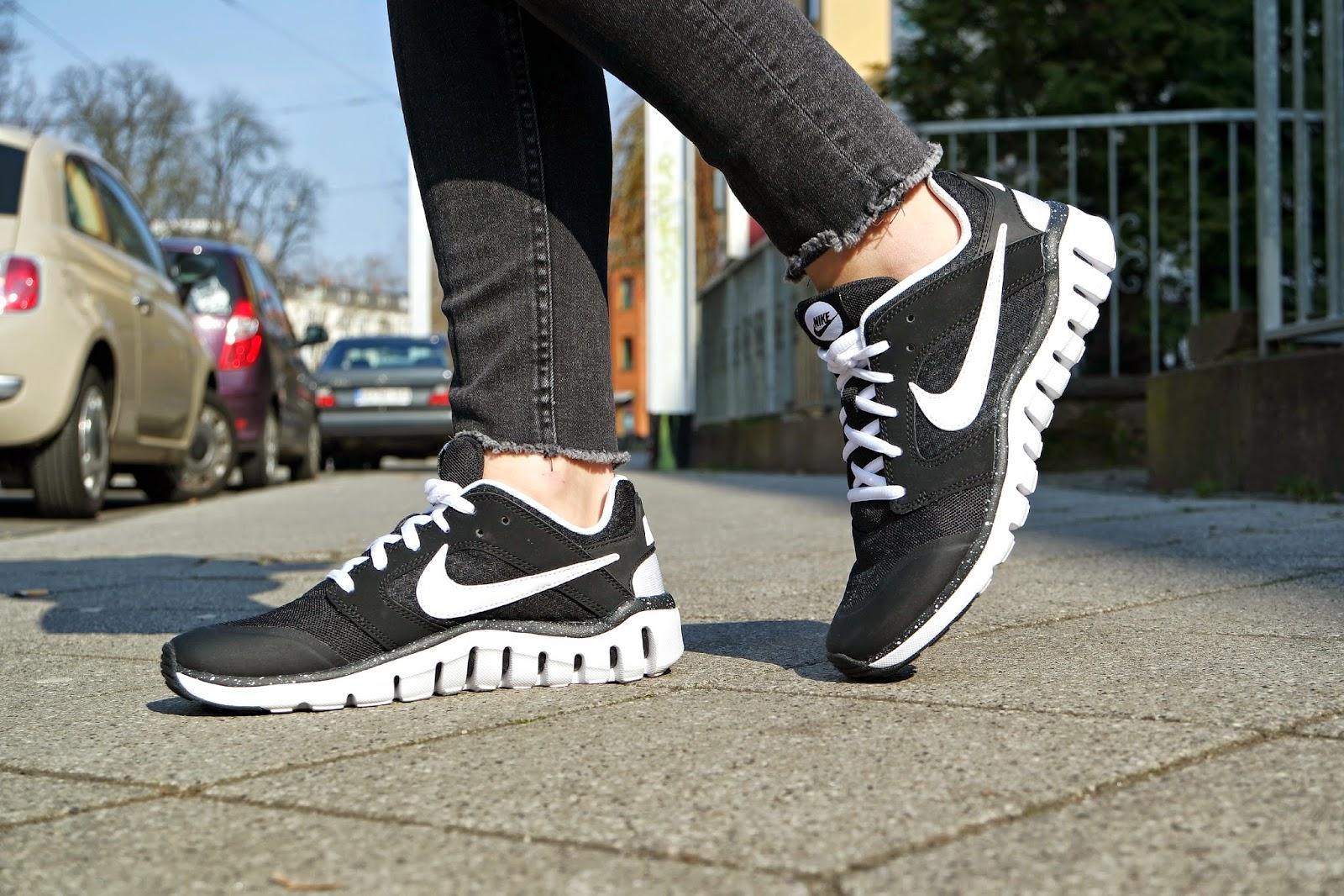 chaussure nike flex raid