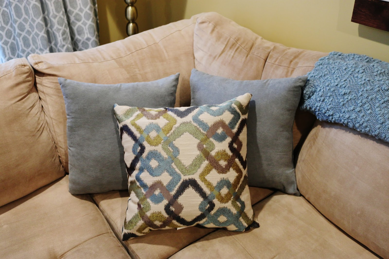 My Simple Modest Chic: Living Room Makeover