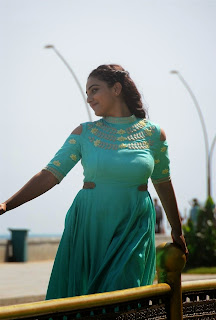 Nithya menon photos in Nee naan naam movie