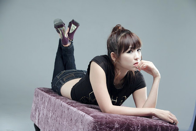 1 Lee Eun Hye in Black Top and Jeans-very cute asian girl-girlcute4u.blogspot.com